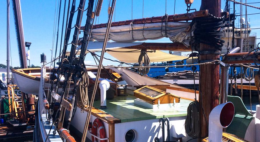 Maritimes Schmuckstück, ein Segelschiff mit Tradition