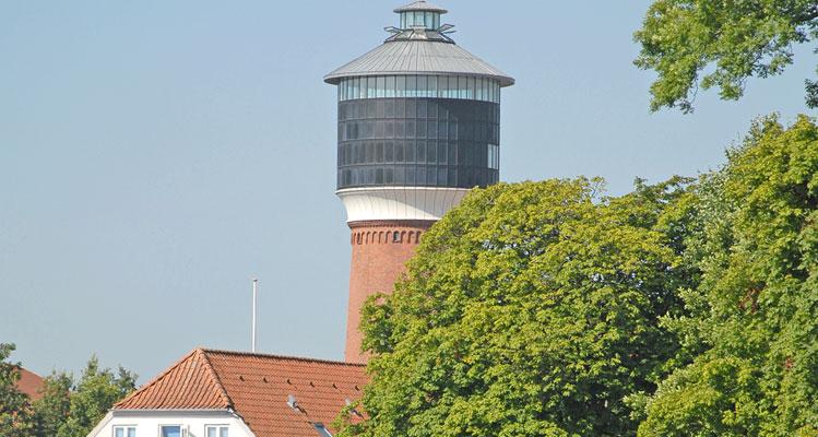 Tonderns weithin sichtbares Wahrzeichen - sein 40 Meter hoher Wasserturm
